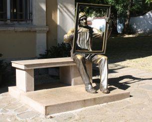 Памятник Цанко Лавренову, Пловдив